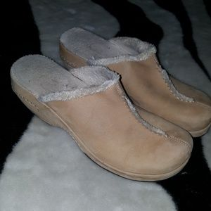 PREVIEW leather sherpa mule clogs size 11 COMFY!!